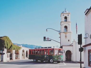 Top 10 non-coastal towns in California