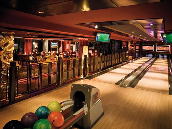 NCL Norwegian Pearl, Bliss bowling