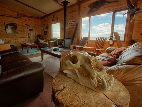 Lounge at Seal River Lodge; Credit R.Postma; Churchill Wild