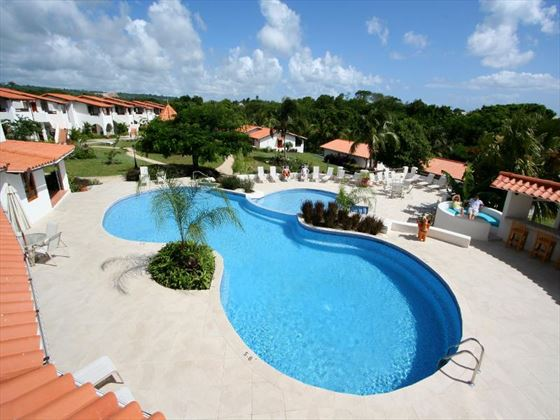 Sugar Cane Club Hotel & Spa outdoor swimming pool