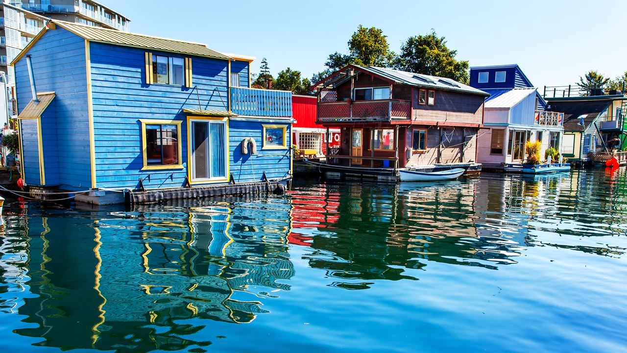 Victoria's floating houses