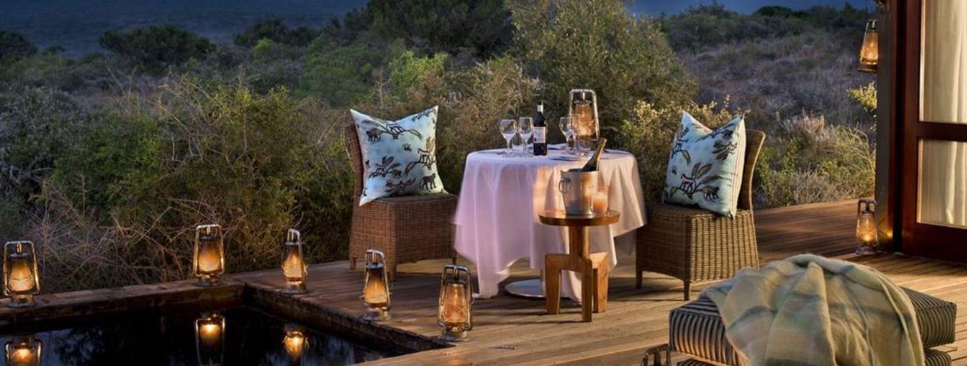 Ecca Lodge dining poolside