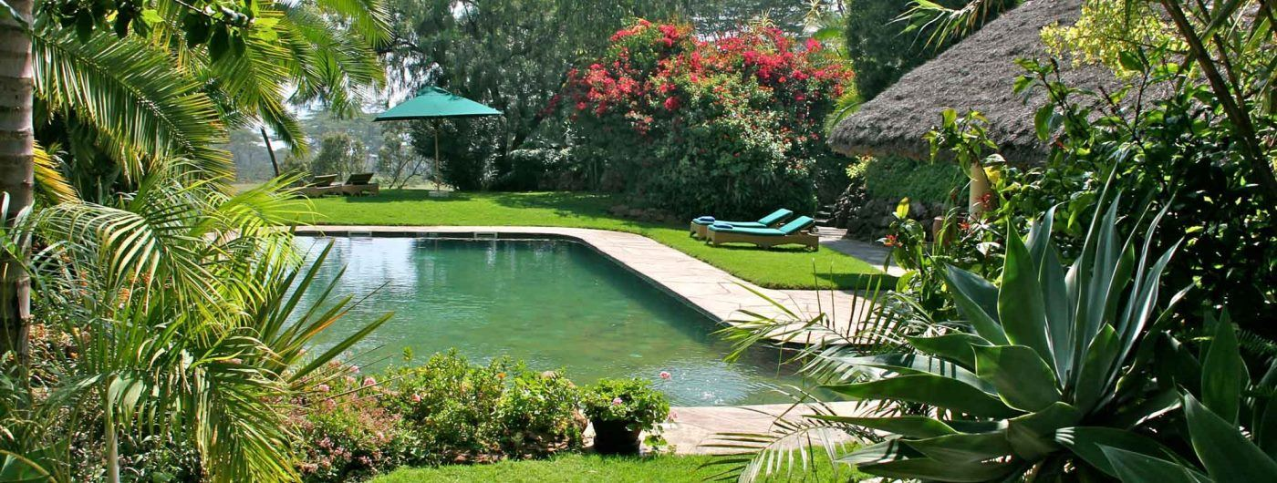 Kiangazi House pool and gardens