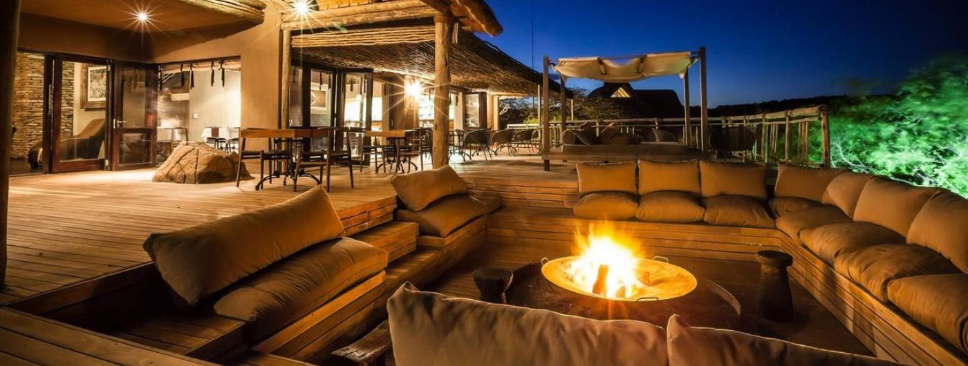 Nambiti Hills Game Lodge main decking area