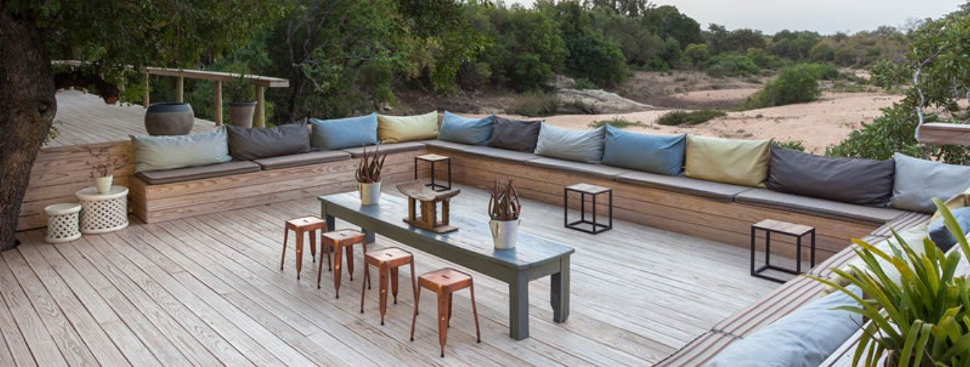 Thornybush Game Lodge veranda and outdoor seating