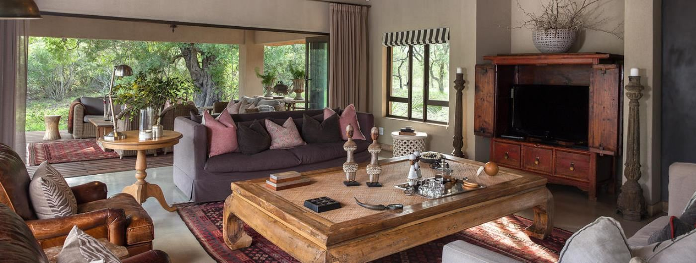 Thornybush River Lodge main lounge