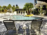 Four Points by Sheraton Studio City pool - Orlando Holidays