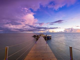 The jetty at sunset, Coco de Mer