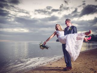 Heritage Awali beach bride & groom