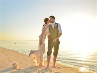 Simply gorgeous weddings at LUX* Le Morne