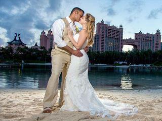 Beautiful & romantic weddings at Atlantis Paradise Island