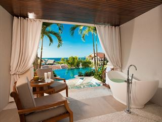 Sandals Grenada Italian swim-up suite