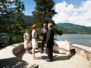Gorgeous wedding setting at Stone Circle Park