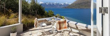 Al fresco dining in New Zealand