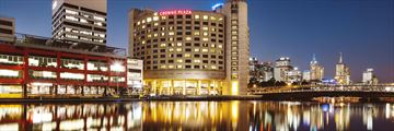 Crowne Plaza Melbourne, Exterior at Night
