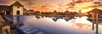 Dreams Sapphire Riviera Cancun, Pool at Night