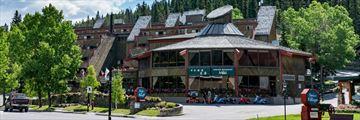 Inns of Banff, Exterior