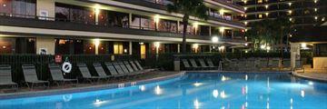 Rosen Inn at Pointe Orlando, Pool at Night