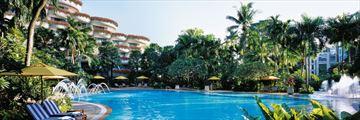 Shangri-La-Hotel, Pool