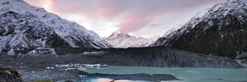 Sunset over the beautiful Mount Cook scenery, New Zealand