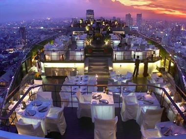 Top 10 rooftop bars in the world