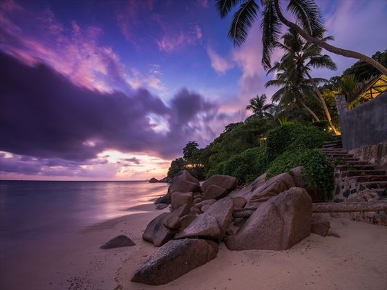 Beach at sunset, Coco de Mer