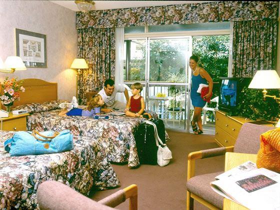 Courtyard guestroom