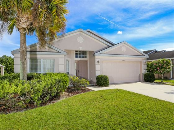 Typical Bradenton Sarasota Area Home -Villa Exterior