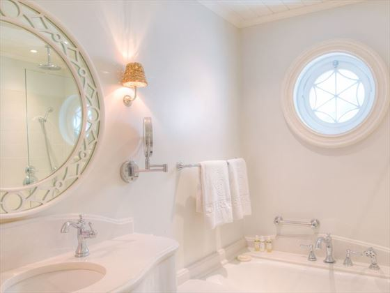 Cobblers Cove - Two Bedroom Suite Bathroom