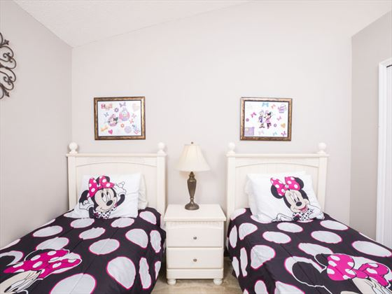 Example of a Glenbrook Home Kids Bedroom