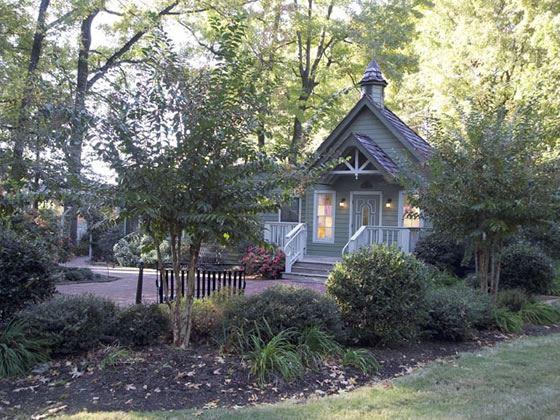 graceland s chapel in the woods american sky