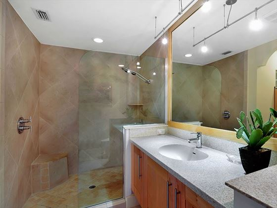 Example of a Marco Island Area Home - Bathroom
