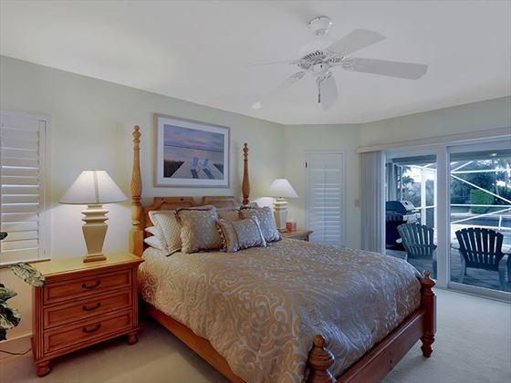 Example of a Marco Island Area Home - mater Bedroom