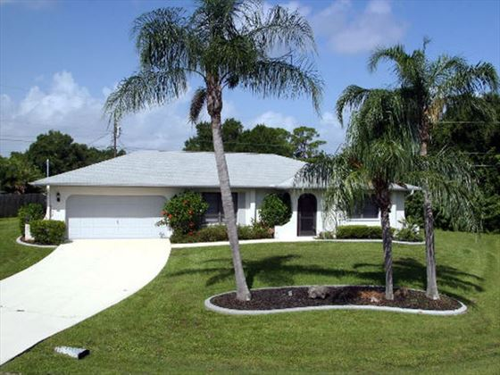 Example of a Port Charlotte Area Home - Villa Exterior