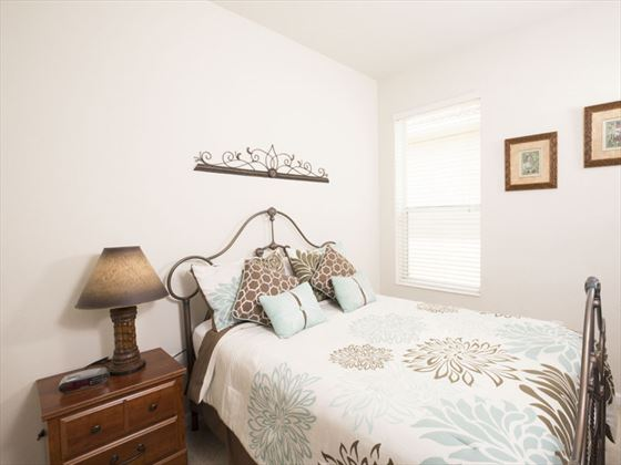 Example of a Windsor Hills Resort Home - Queen Room