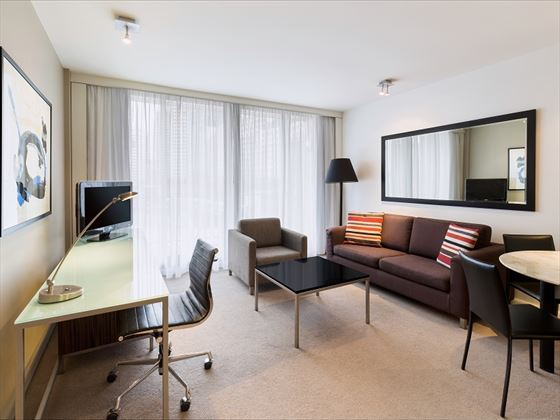 Adina Apartment Hotel Sydney Premier Grand Studio Apartment