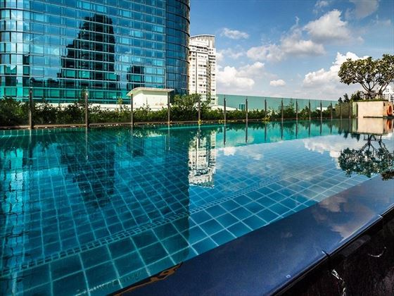 Akyra Thonglor Bangkok infinity pool