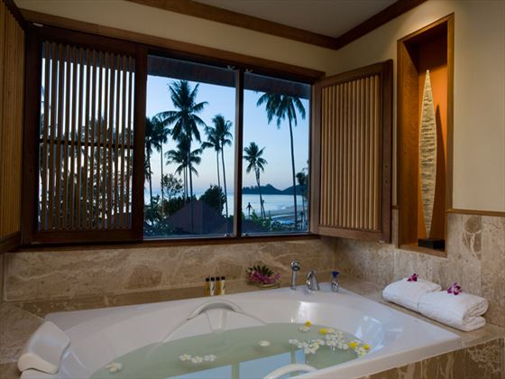 Emerald Cove Resort bathroom