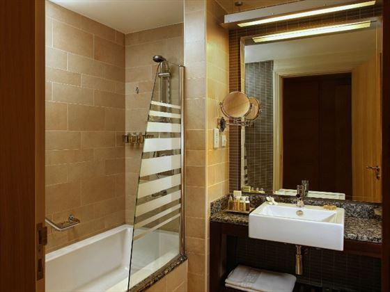 Amwaj Rotana Bathroom