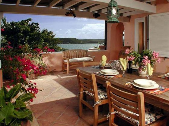 The dining terrace of Villa Arawak