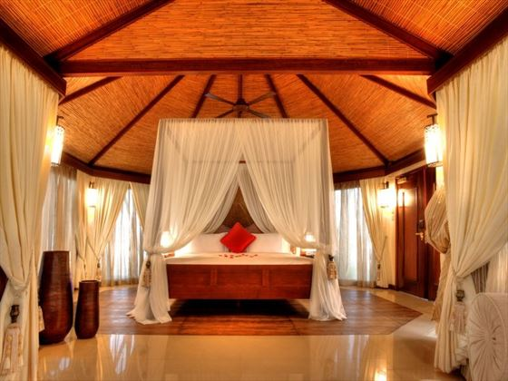 Beachfront Pool Villa Bedroom