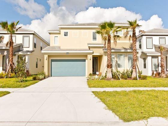 Bella Vida Resort Platinum Homes Villa Front