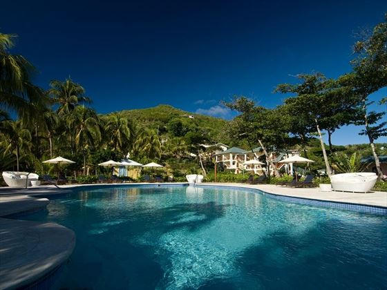 Bequia Beach, pool and exterior