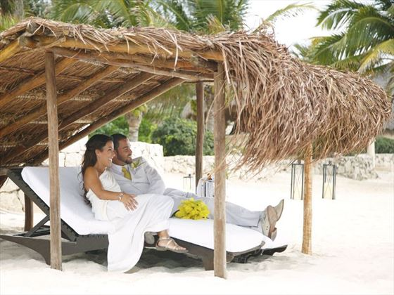 Bride & Groom in the 'palapa'