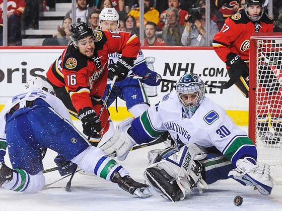 Calgary Flames vs Vancouver Canucks