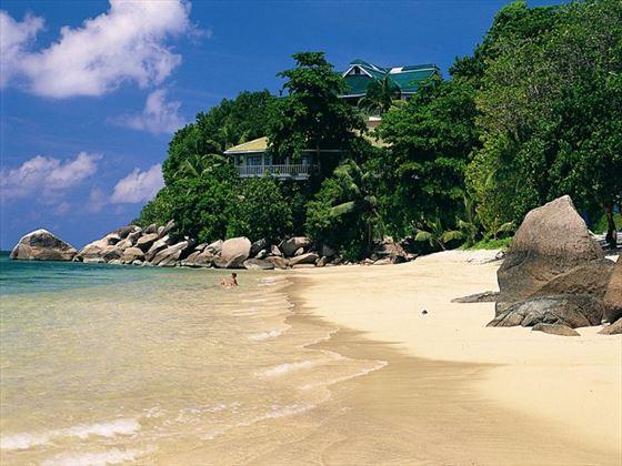 Coco de Mer beach