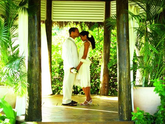 Couples Negril wedding gazebo