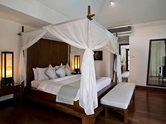 Courtyard Villa master bedroom