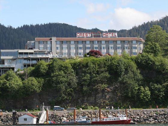 Crest Hotel exterior