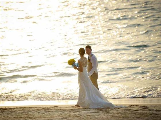Bride & Groom on the beach at Dusit Thani Laguna